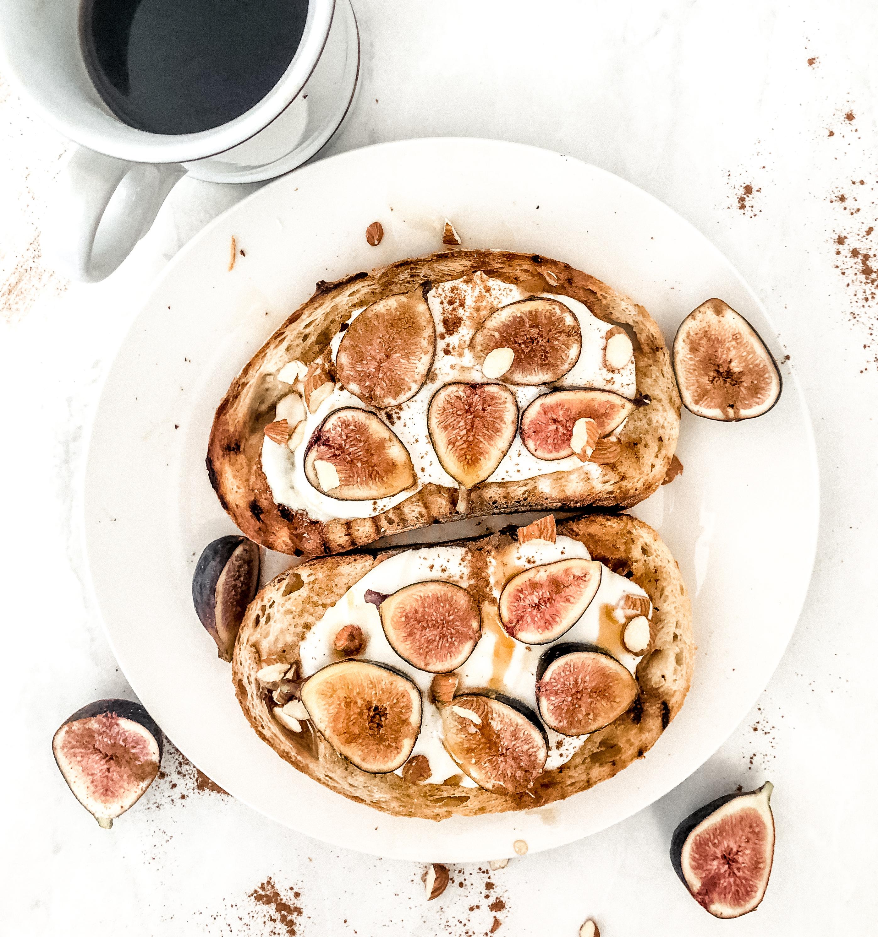 fresh fig toast