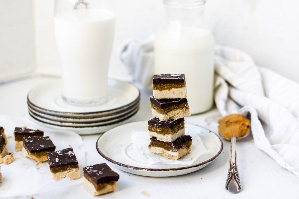 chocolate sea salt toffee bars with milk