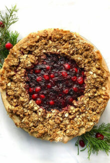 Cranberry crumble pie close up